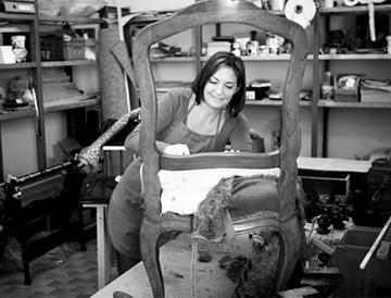 Martina Ploc in der Werkstatt (2)