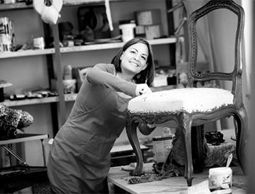 Martina Ploc in der Werkstatt